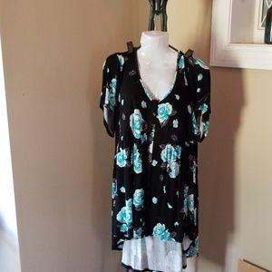 Torrid sz 4 blouse